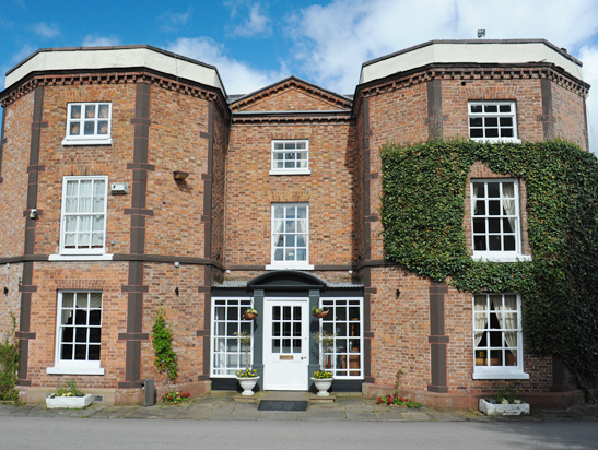Rossett Hall selects Entyce as digital marketing partner